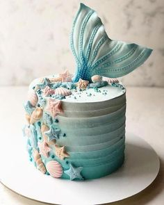 Savory magic cake with roasted peppers and tandoori - Clean Eating Snacks Pretty Cakes, Cute Cakes, Beautiful Cakes, Amazing Cakes, Sirenita Cake, Ocean Cakes, Beach Cakes, Mermaid Birthday Cakes, Girl Birthday Cakes