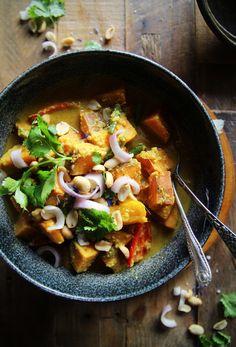 Sweet Potato Massaman Curry (Vegan)