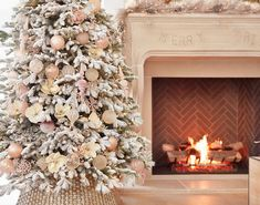 Create a charming winter display with gold, blush, and ivory accents. Complete the enchanting look by pairing this collection with our Christmas floral picks for a touch of romantic elegance. #BalsamHillUK #ChristmasDecor #ChristmasTree #ChristmasIdeas #ChristmasStocking #ChristmasDesign #HomeDecor #Interior #InteriorDesign #Home #Design #Fall #Autumn #Inspiration #Wreath #Garland Christmas Tree Accessories, Christmas Baubles, Christmas Decorations, Holiday Decor, Christmas Design, Christmas Home, Fraser Fir Christmas Tree, Realistic Artificial Christmas Trees, Evergreen Forest