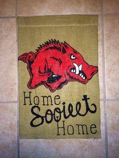 Arkansas Razorbacks Burlap Garden Flag- my mother-in-law would love this Woo Pig Sooie, Burlap Garden Flags, Fayetteville Arkansas, Arkansas Razorbacks, Tailgating, Kara, Canvas Art, Arts And Crafts, Crafty