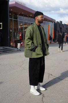 Alltägliche Streetstyle-Looks für Herren, die Ihnen dabei helfen, scharf a… – Uñas Coffing – Maquillaje – Peinados – Moda – Zapatos – Moda masculina – Maquillaje de ojos – Trenzas – Vestidos – Trajes casuales – Moda Emo – Uñas acrílicas – Piercings – U Italian Street Style, Berlin Street Style, Rihanna Street Style, European Street Style, Minimalist Street Style, Model Street Style, Street Style Looks, Street Fashion Nyc, Men Street