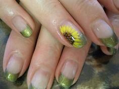 Sonnenblume nails