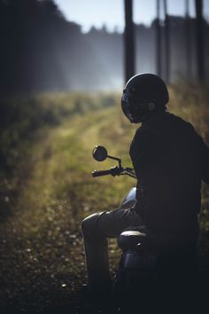 Authentic handcrafted customized motorcycles, leather & apparel - based in vienna. Custom Motorcycles, Custom Bikes, Motorcycle Outfit, Austria, Motors, Concert, Portraits, Motorcycle Suit, Concerts