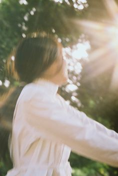 Photography by Petra Collins for Hanatsubaki Magazine. Aesthetic Photo, Aesthetic Pictures, Aesthetic Vintage, Foto Fantasy, Picnic At Hanging Rock, Petra Collins, Photo Images, Ex Machina, Film Photography