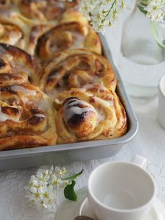 Raparperipulla pikaisella vaniljakastikkeella | Annin Uunissa Finnish Recipes, Baked Doughnuts, Sweet Bakery, Most Delicious Recipe, Sweet Pastries, Dairy Free Recipes, Let Them Eat Cake, Yummy Cakes, Food And Drink