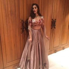 Diwali celebrations were seen , with lots of fun , grandeur and fabulous clothes involved lat night at Bollywood Diwali Parties .