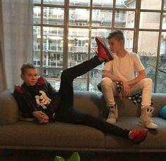 Martinus:Hey,you're cute! Marcus:Shut up!She's already mine! I Go Crazy, Love U Forever, M Photos, Youre Cute, Twin Brothers, Back Off, Bambam, Pretty Boys, True Love