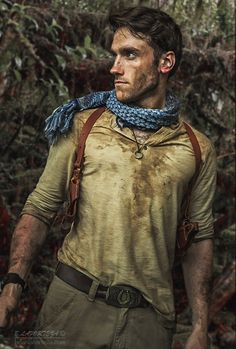 Nathan Drake Cosplay (Uncharted) from Comic-Con 2015
