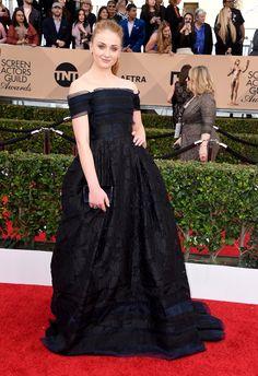 Pin for Later: Die Stars von Game of Thrones übernehmen den roten Teppich bei den SAG Awards Sophie Turner