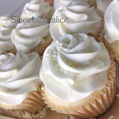 Easy White Chocolate Macadamia Cupcakes
