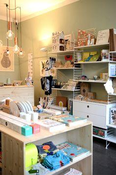 Katharina Kottisch hat 2014 die Konfettiwolke eröffnet, ein Kinder-Concept-Store. Eigentlich ist sie Grafikdesignerin. Mehr zu ihrer Geschichte ...