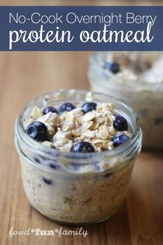 No-cook Overnight Berry Protein Oatmeal - a great on-the-go breakfast recipe for busy mornings [sponsored]
