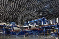 hangar-de-los-aviones-18887011.jpg (400×267)