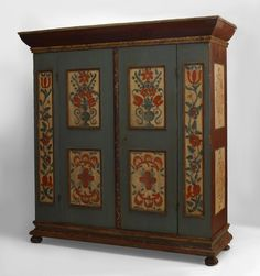 American Country cabinet/case-piece armoire painted