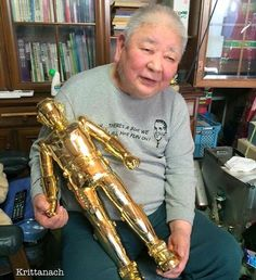 "Mr. HIRUMA SHINJI now is 85 year old Owner HIRUMA MODEL CRAFT Production (Special art model of Prop production company). Main work make Prop from Ultra series, Mirror man, Jumborg A and more.  K3 Robot (gold plate) he make Prop for Thai classic movie in 31 Dec 1982 name ""นักเลง คอมพิวเตอร์"" #my project I will make K3 Robot in JP to sell. wait soon. #K3 #robot #hiruma #prop #movie #sofvi #sofubi #japan #toy #krittanach #k #collection"