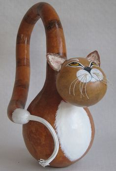 Perky Gourd Cat by GourdArtbyCyndee on Etsy Diy Projects To Try, Garden Projects, Diy And Crafts, Arts And Crafts, Hand Painted Gourds, Gourds Birdhouse, Pumpkin Art, Paper Magic, Woman Bedroom