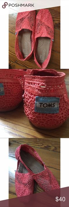 Coral Lace Toms Worn only once, super cute toms! In excellent condition. Women's 8.5 TOMS Shoes Flats & Loafers