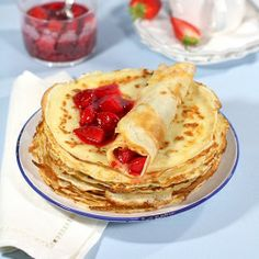Crepes with cream cheese and strawberry sauce (recipe in Croatian with translator)