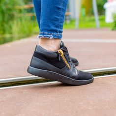 GIUSEPPE ZANOTTI | NEW ARRIVALS | DERODELOPER.COM The Giuseppe Zanotti runner sneakers from the fall / winter 2016 collection. Available Online & In Stores FOR MORE SHOP ONLINE: WWW.DERODELOPER.COM/GIUSEPPE-ZANOTTI