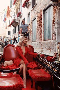 moda de luxo vintage - explorando o Rise of the Secondhand . Natasha Oakley, Shopping Outfits, Luxury Lifestyle Fashion, Venice Travel, Mein Style, Luxe Life, Mode Streetwear, Red Fashion, Travel Style
