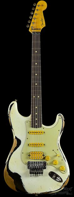 Fender 1960 Stratocaster Heavy Relic White Lightning Olympic White over Faded Black