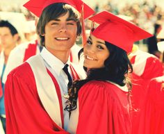 couple cute couple disney zac efron graduation vanessa hudgens high school musical high school musical 3 troy gabriella high school musical senior year troy and gabriella zac efron and vanessa hudgens kissing disney couple wildcats Troy Bolton, Dylan Sprouse, High School Anime, Hig School, Gabriela Montez, Zac Efron Vanessa Hudgens, Pretty People, Beautiful People, Hight School Musical