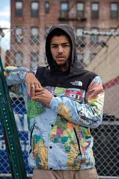 SUPREME  - The North Face.