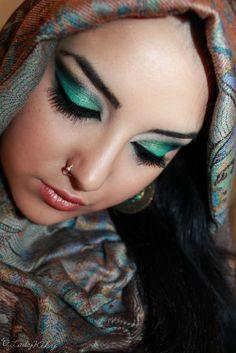 Восточный макияж в изумрудных тонах ::: onelady.ru ::: #makeup #eyes #eyemakeup