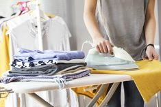HGTV shares 10 tips on how to get your clothes cleaner and last longer with all-natural solutions. Cleaning Recipes, Diy Cleaning Products, Cleaning Hacks, Cleaning Solutions, Homemade Detergent, Natural Detergent, Natural Bleach, Nova, Baby Tips