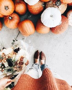 Now all you need is the perfect Halloween decoration ideas. Here are the best Halloween decorations to make your party the best on the block. Hygge, Fall Inspiration, Autumn Aesthetic, Orange Aesthetic, Autumn Cozy, Fall Winter, Autumn Photography, Hello Autumn, Fall Photos