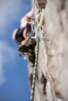 www.boulderingonline.pl Rock climbing and bouldering pictures and news Clipped. #rock #clim
