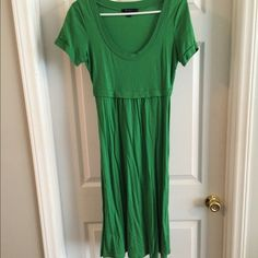 Boden green tshirt dress Very good condition comfortable dress labeled as a 10L fits S/M. Pretty spring green color! Boden Dresses