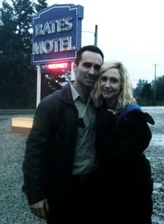 Nestor Carbonell and Vera Farmiga BTS Bates Motel / Romero and Norma / Normero