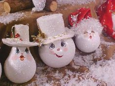 lightbulb ornaments ~ love these little guys and gals!
