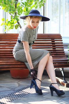 Vintage style dress, black and cream pepita plaid dress    Photo: (c) Eliza Rask