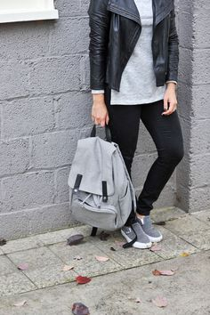 Everlane backpack, how to style a backpack, Black and grey outfit, how to style a backpack, casual outfit ideas via @mystylevita - 17