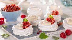 Mini Pavlova, Lemon Curd, Panna Cotta, Cake Recipes, Tin, Cheesecake, Food And Drink, Sweets, Snacks