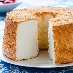 This is seriously the best Angel Food cake. I get tons of compliments on it every time I make it. // Angel Food Cake from Cook's Country