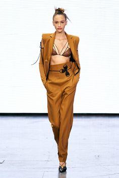 New Fashion, Runway Fashion, Spring Fashion, Fashion Show, Fashion Trends, London College Of Fashion, London Fashion, Tapered Trousers, Ribbed Knit Dress
