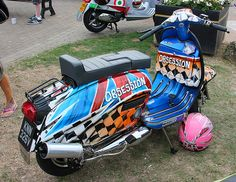 LAMBRETTA OBSESSION Lambretta Scooter, Scooter Motorcycle, Bike, Sidecar, Mod Music, Motor Scooters, Isle Of Wight, Paint Schemes, Chopper