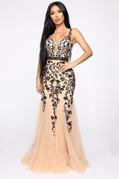 Over The Moon Floral Gown - Nude/Black – Fashion Nova Gold Sequin Dress, Mauve Dress, Metallic Dress, Rose Dress, Tulle Gown, Maxi Gowns, Evening Dresses, Prom Dresses, Formal Dresses