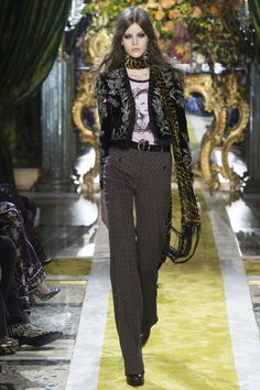 Roberto Cavalli Fall 2016 Ready-to-Wear Fashion Show - Bara Podzimkova