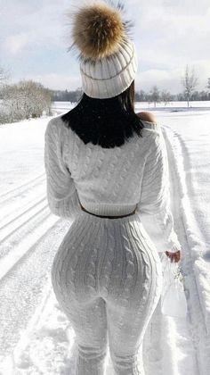 Batwing Sweater and Knit Leggings Set Catsuit, Snow Girl, Sexy Ebony, Knit Leggings, Oversized Jacket, Loungewear Set, Lounge Wear, Winter Fashion, Sexy Women