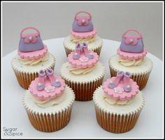 Dinky Dress-Up - Cake by Sugargourmande Lou