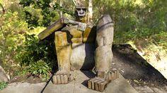 Gorilla sculpture in Queen's Park Swindon by public-art.uk