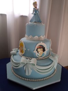 Three Tier Disney Cinderella Princess Cake - Disney Every Day Pretty Cakes, Cute Cakes, Beautiful Cakes, Amazing Cakes, Cake Disney, Cinderella Birthday, Cinderella Princess, Princess Cakes, Gateaux Cake