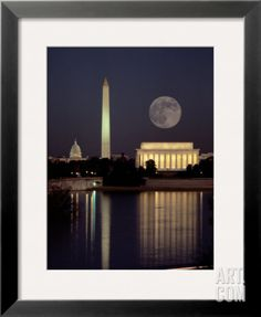 Moonrise over the Lincoln Memorial ~ the Washington Monument ~ the US Capitol Building and the Reflecting Pool, Washington DC Wonderful Places, Great Places, Places To See, Beautiful Places, Wyoming, Beautiful Moon, Beautiful World, Washington Dc, Nocturne