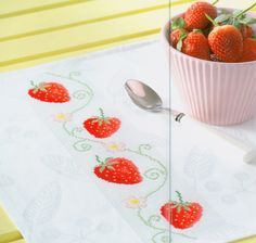 Strawberry Border free cross stitch pattern from www.coatscrafts.pl