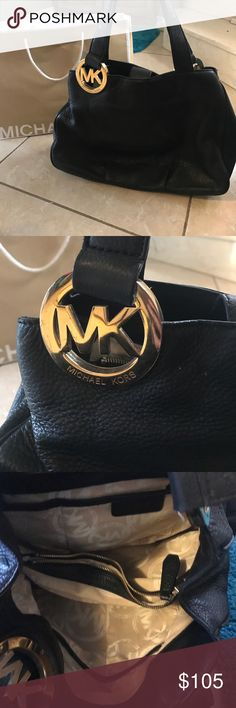 Michael Kors purse Super cute and very spacious shoulder bag. Michael Kors Bags Shoulder Bags