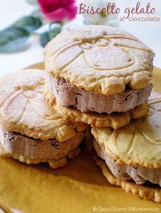 In questo strano pomeriggio mite, ci concediamo un biscotto gelato al cioccolato con #Mielbio! :-)